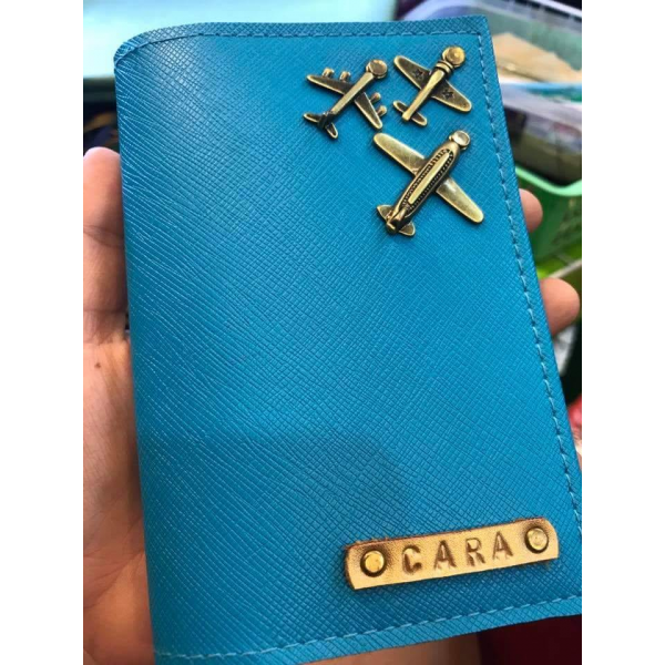 Niña's Passport Holder